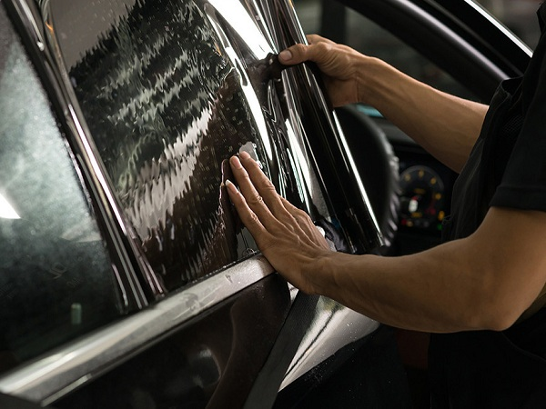 4 Trends You Need To Know About Window Tinting Service