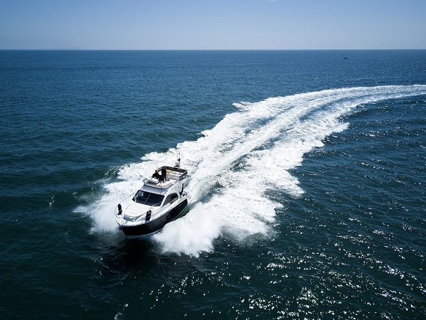 How Does Marine Window Tint Affect The Speed Of Voyage